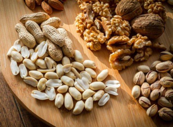 Ученые назвали удивительную способность орехов