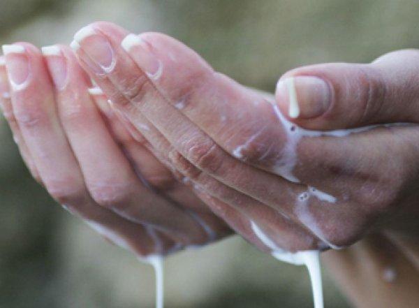 Ученые назвали напиток, лучше всех утоляющий жажду