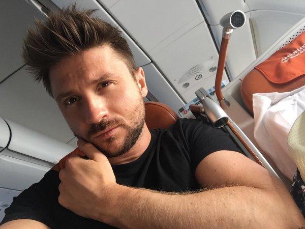 Сергей Лазарев уснул за рулем и попал в ДТП