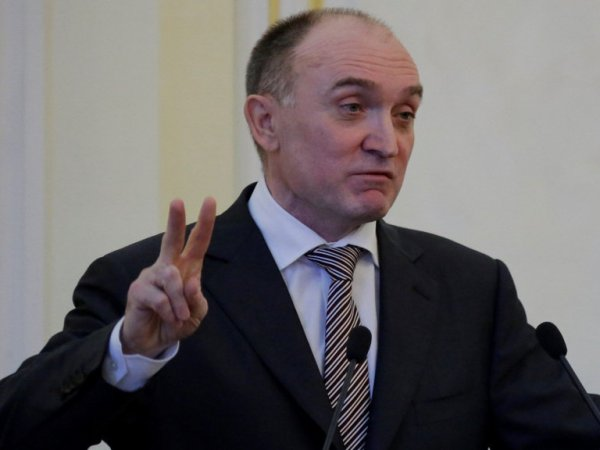 Обвиняемый в хищениях 20 млрд экс-губернатор сбежал из России в Швейцарию