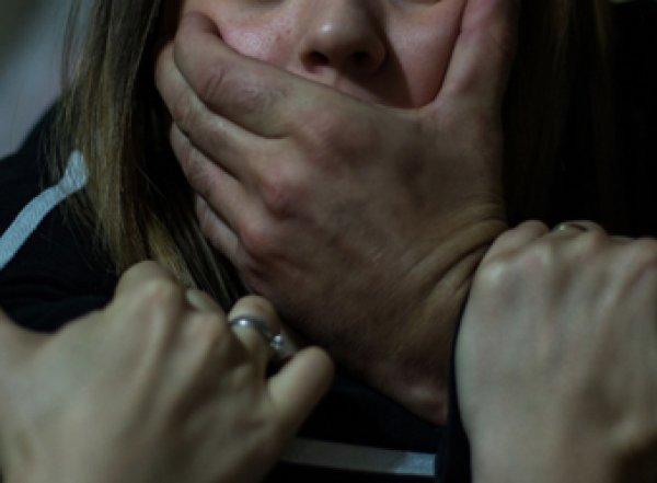 В Брянске родители и двое их приятелей изнасиловали малолетнюю дочь