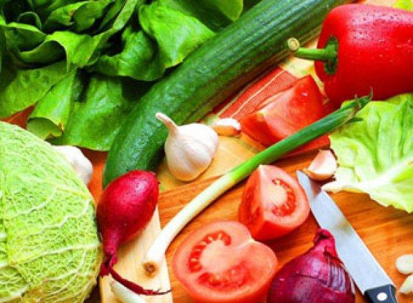 Ученые назвали неожиданную опасность сырых овощей