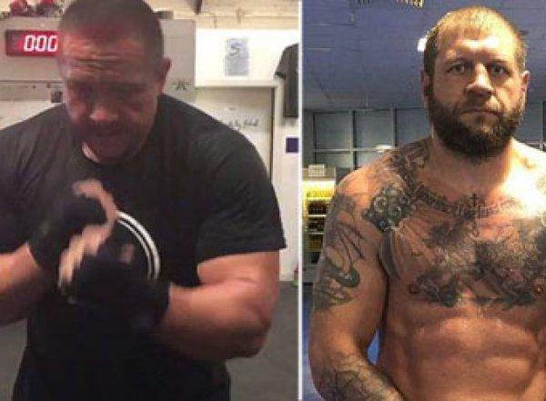 Емельяненко и Кокляев устроили потасовку в московском баре перед боем (ВИДЕО)