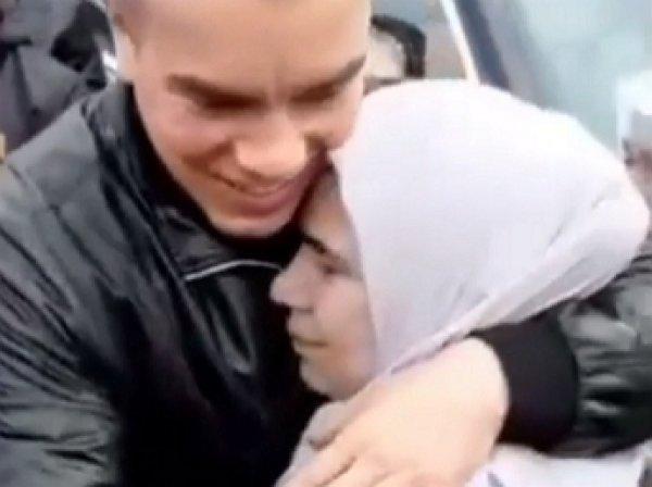 Возвращение домой с помпой вора в законе Шалинского после 10 лет тюрьмы попало на видео