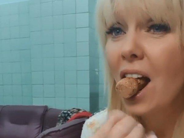 «Выглядит пошловатенько»: Валерия на видео с пробкой во рту ошарашила Сеть