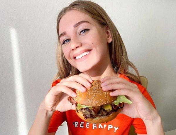 Асмус и Малышева попали в ТОП-5 российских звезд с самыми нелепыми диетами