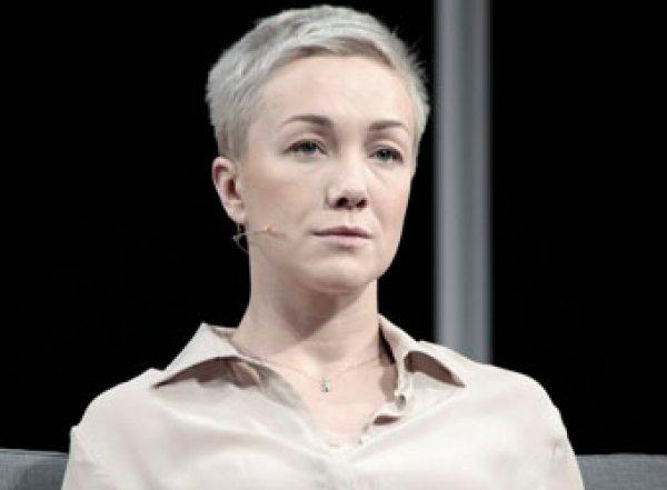 """""""Не уподобляйтесь Собчак"""": экс-жена Богомолова ошарашила Сеть, показав грудь на фото"""