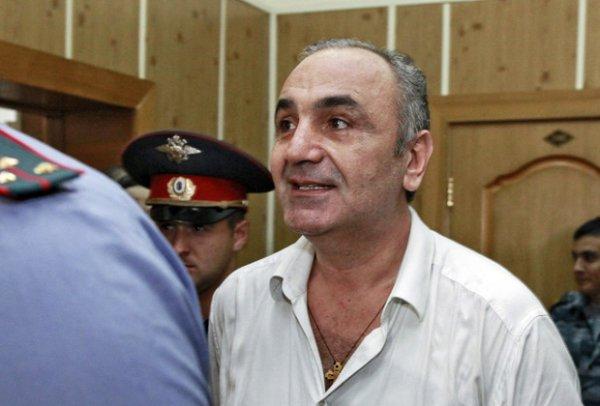 Видео экстракции из России в Испанию вора в законе Тариэла Ониани появилось в Сети