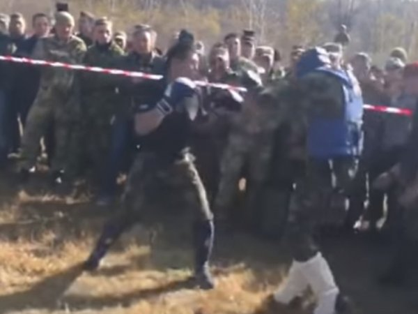 Опубликовано видео смертельного боя росгвардейца за краповый берет