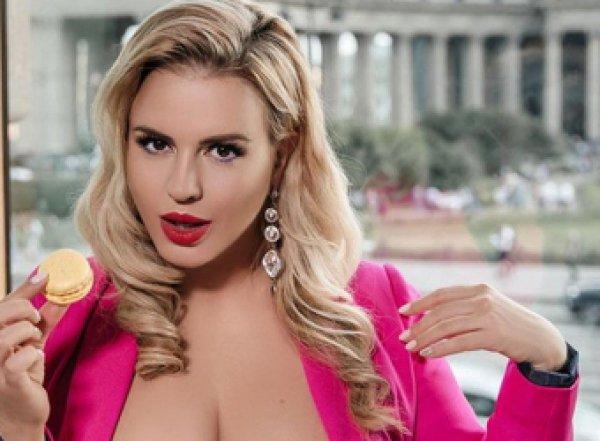 """""""Всё толстеешь?"""": Анна Семенович ужаснула поклонников нарядом и лишним весом (ФОТО)"""