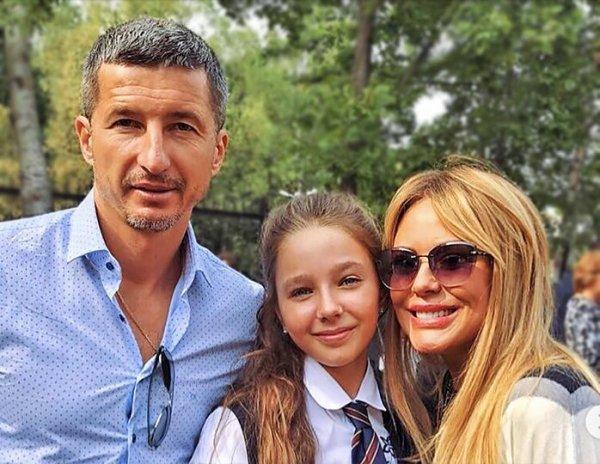 """""""Мы уже дома!"""": фото дочери Юлии Началовой с новорожденной сестрой появилось в Сети"""