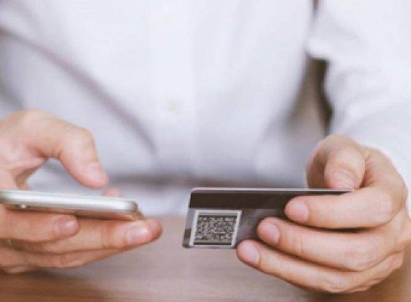 Россиян предупредили о новом способе мошенников вывести украденные с карт деньги