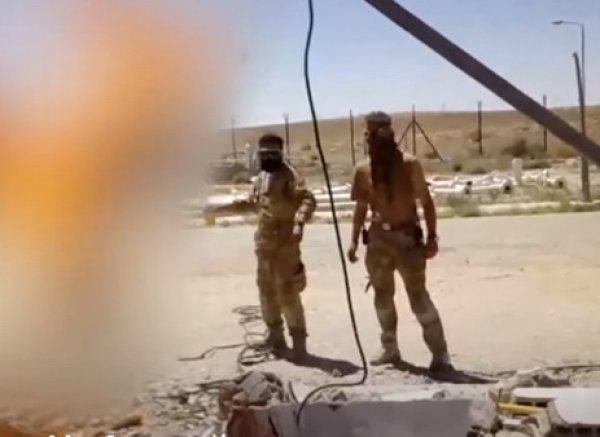 "СМИ опознали трех ""вагнеровцев"" из видео казни в Сирии"
