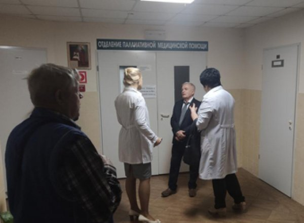 """Рядом с резиденцией Путина в Сочи найдена больница со """"стаями тараканов"""" и поборами с пациентов"""