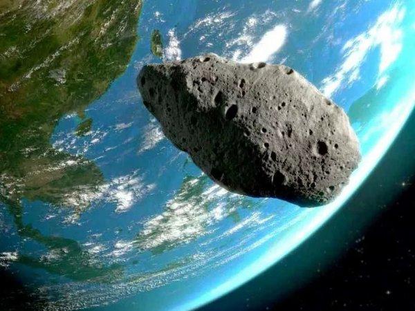 """""""Роскосмос"""": к Земле несется опасный астероид размером с Челябинский метеорит"""