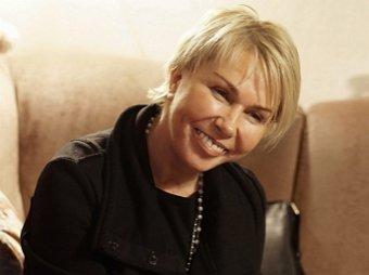 Косметология зашла в тупик: неузнаваемая после пластики 52-летняя Ксения Стриж ошарашила Сеть на фото