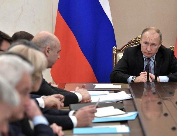 """«Воруют сотнями миллионов»: Путин устроил разнос правительству за космодором """"Восточный"""""""