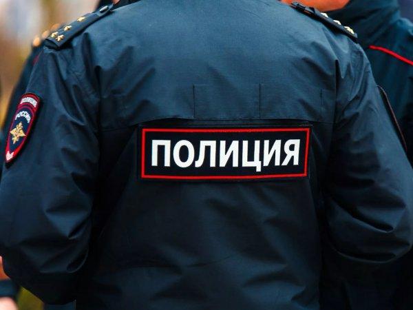 В Москве женщина с двумя детьми выпала из окна