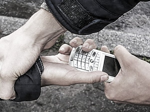 Вор в законе Мамука попался на краже телефона у ребенка