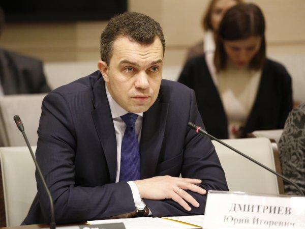 """""""Они м***ки"""": глава аппарата Мосгордумы грубо оскорбил депутатов, забыв выключить микрофон"""