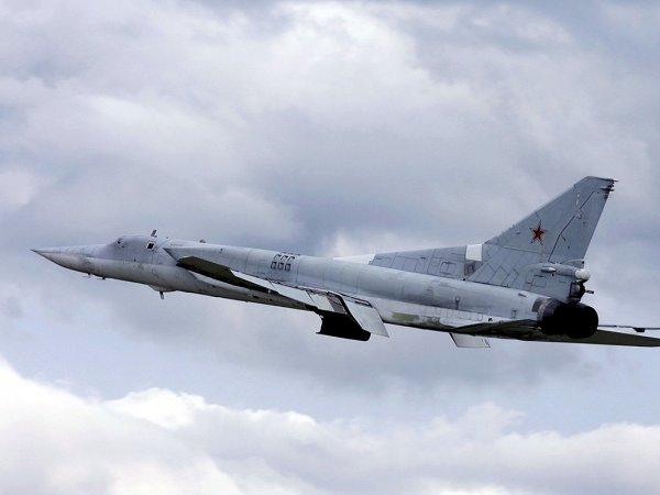 Под Астраханью пилоты посадили сверхзвуковой бомбардировщик на грунт