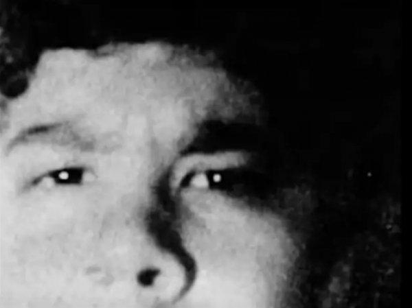 Таинственное фото исчезнувшего подростка не могут разгадать уже 28 лет