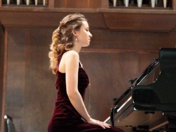 В Венгрии известная российская пианистка погибла, принимая душ