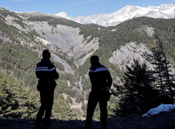 """Le Monde сообщила о крупной """"базе шпионов ГРУ"""" в Альпах"""