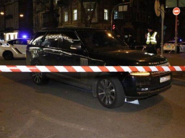 В Киеве расстреляли автомобиль депутата. Погиб его 3-летний сын (ВИДЕО)