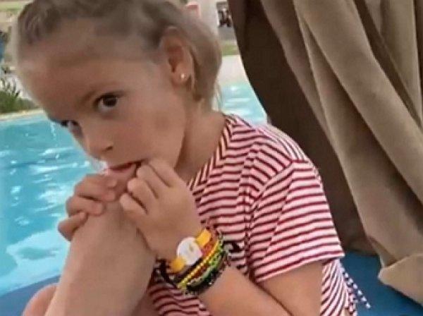 Мать Тимати раскритиковали за видео с внучкой