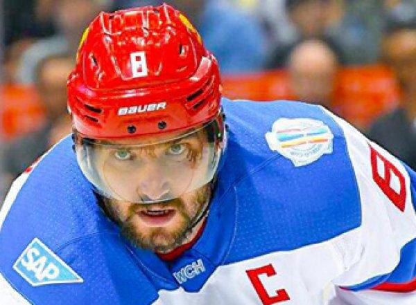 Не влезай, убьет: Овечкин вырубил второго арбитра НХЛ (ВИДЕО)