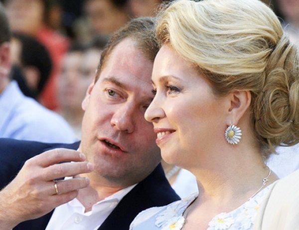 Стала известна реакция Медведева на расследования ФБК о его жене