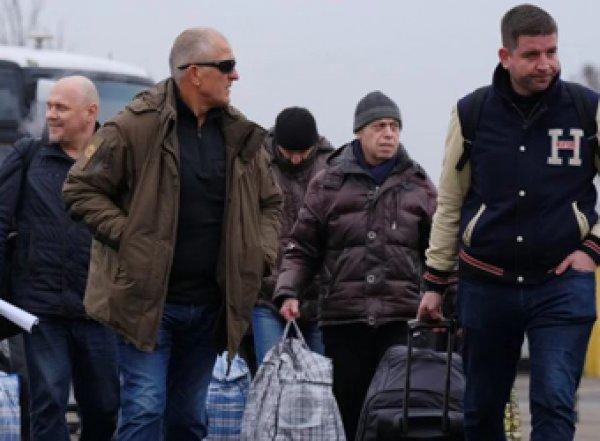 """СМИ: в числе """"обменных"""" заключенных в Донбассе были подозреваемые в убийствах на Майдане «беркутовцы»"""