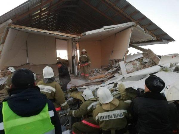 В Казахстане разбился самолет: 14 погибших