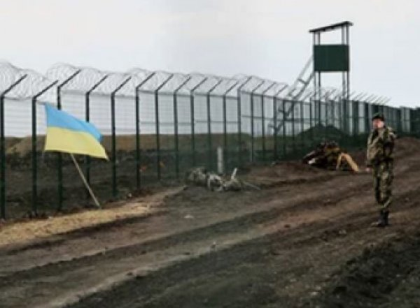 Украина намерена возвести стену на границе с Донбассом
