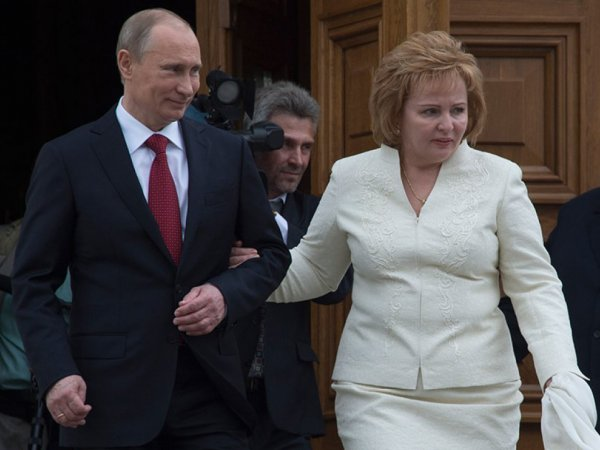 """""""Он все время меня испытывал"""": в Сети появилось малоизвестное интервью бывшей жены Путина"""