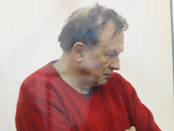 СМИ: доцента-расчленителя посадили в одну камеру с насильником