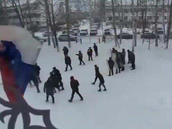 Полиция пришла к девушке, опубликовавшей в Сети видео учений со школьниками по разгону митинга