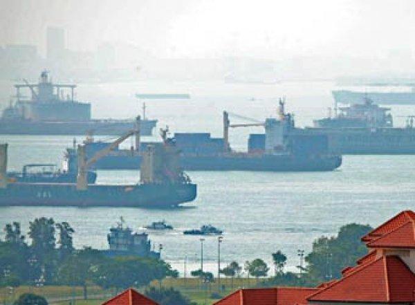В Сингапуре за долги арестовали российский корабль «Севастополь»