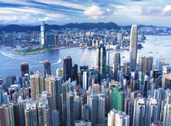 Названы самые посещаемые туристами города мира