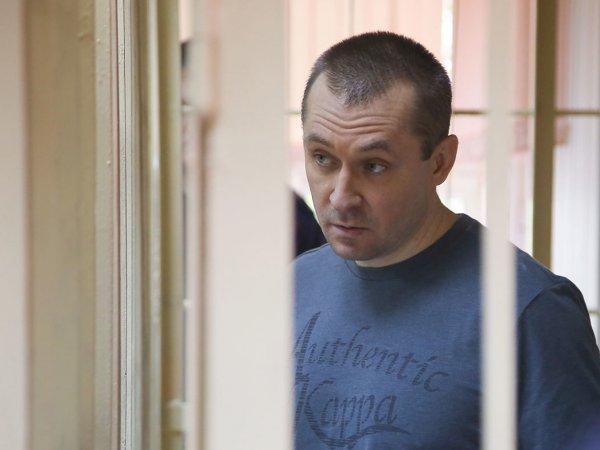 Осужденный полковник Захарченко решил вернуть свои миллиарды