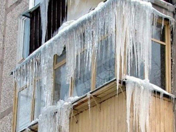 В Хабаровском крае оставленный на балконе младенец замерз насмерть