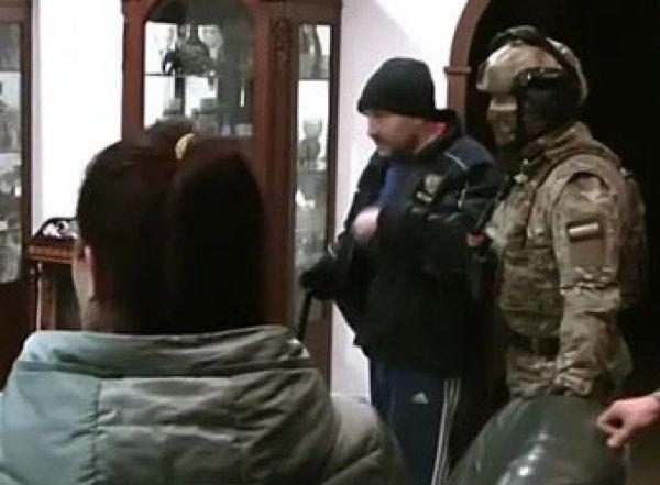 В Красноярске штурмом взяли студию детского порно (ВИДЕО)
