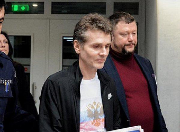 Обвиняемый в кибермошенничестве Александр Винник останется в Париже под стражей