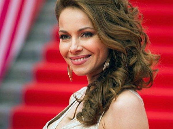 Екатерина Гусева шокировала зрителей, выйдя на сцену без юбки (ФОТО)