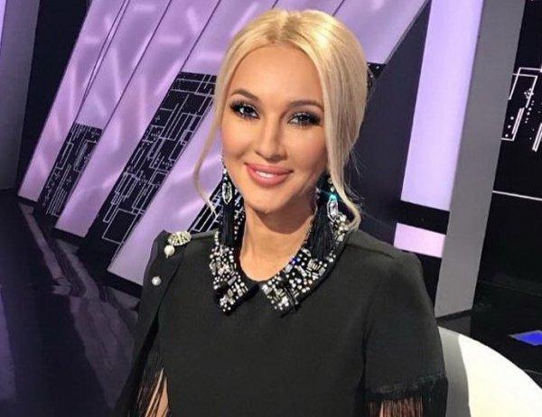 Лера Кудрявцева впервые вышла в свет после удаления имплантов