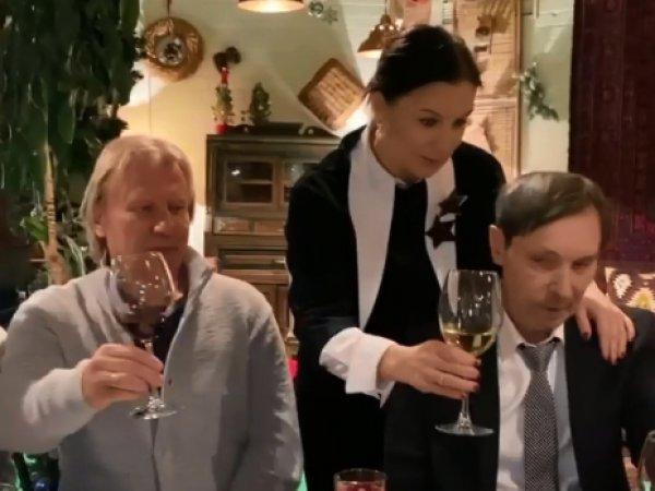 """""""В глазах нет радости"""": Стриженову разнесли за видео со дня рождения перенесшего инсульт Носкова"""