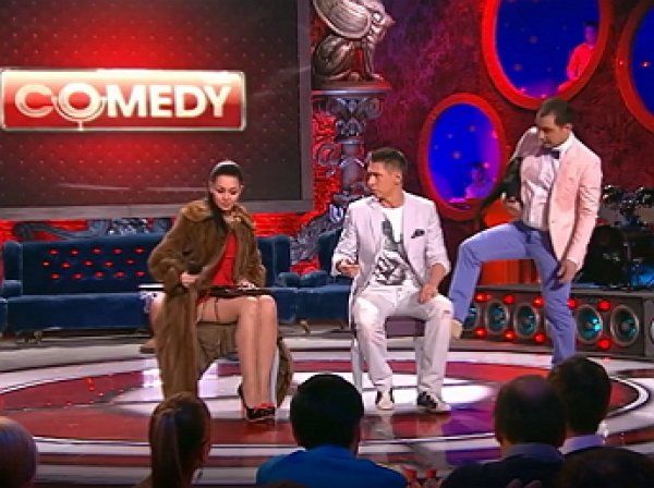 """Вы кто?"": номер Comedy Club про бизнесмена, путану Анджелу и сутенера Лешу стал хитом в Сети (ВИДЕО)"
