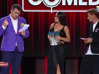 А, ну, извиняйся, дрянь!: униженный жиробас Харламов наорал на гостью в Comedy Club (ВИДЕО)