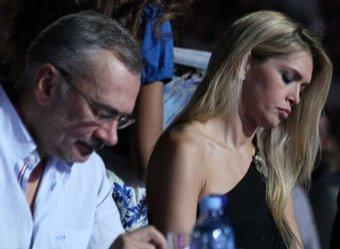 Кто на фото, Вера?: Брежневу застукали с незнакомцем после слухов о разводе с Меладзе